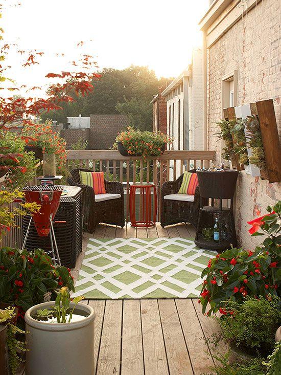 Small Deck Decorating | Inexpensive backyard ideas, Deck .