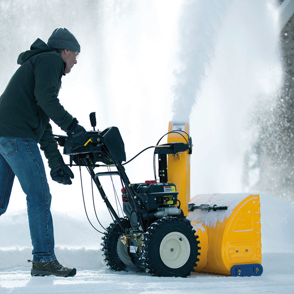Snow blower features you need to look for   when you buy one for your driveway