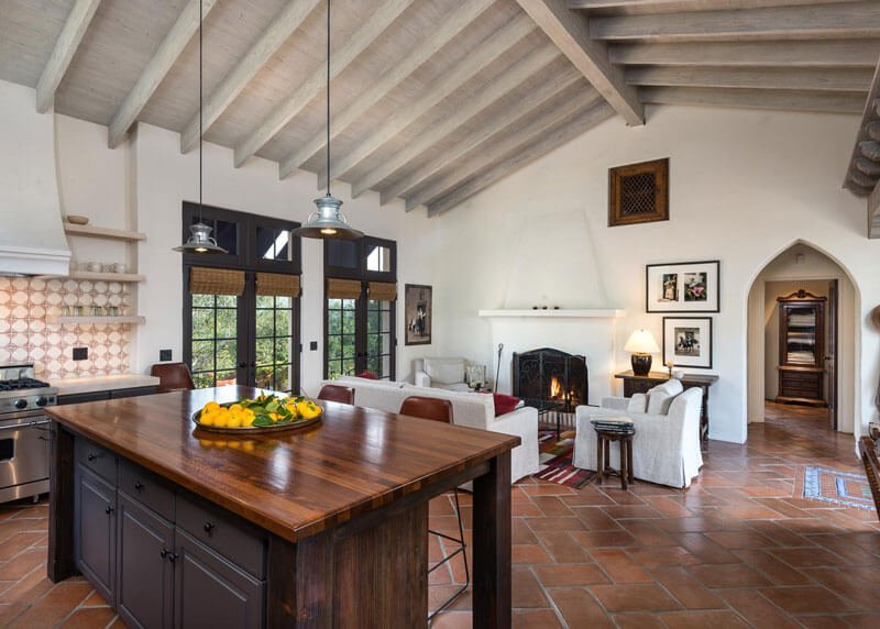 31 Modern and Traditional Spanish Style Kitchen Desig