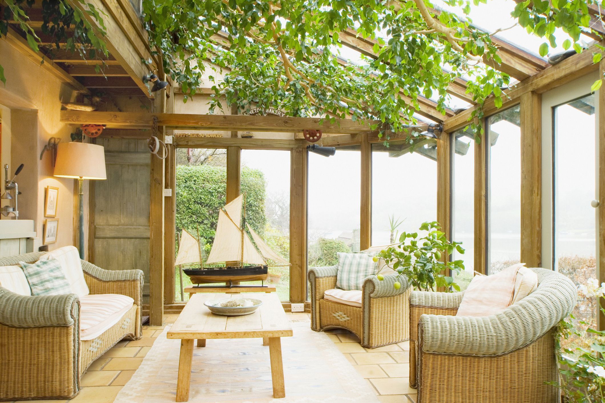 Cool ideas for porches and conservatories   that you can try out in your home