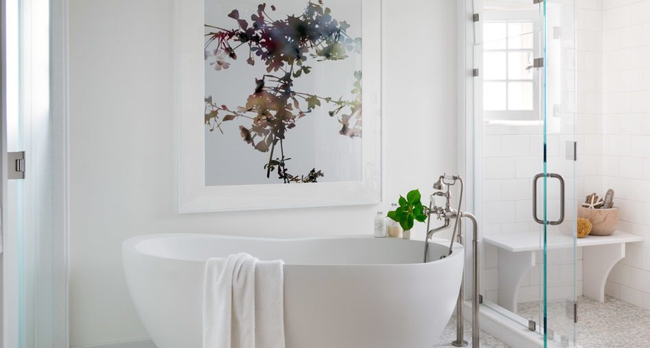 Tips and ideas for choosing and   displaying art in your bathroom