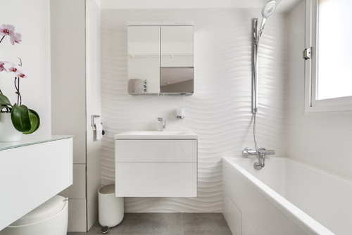 How To Make Any Bathroom Look (And Feel) Bigg