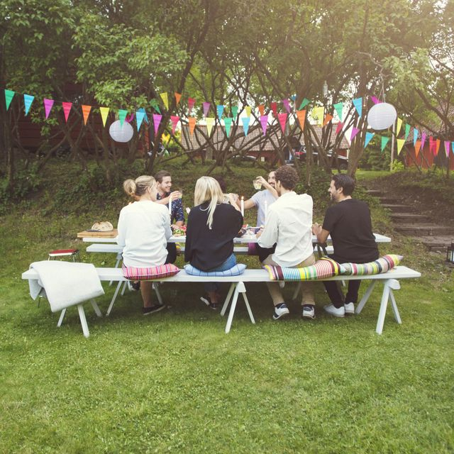 Best Housewarming Party Ideas and Themes - How to Throw a .