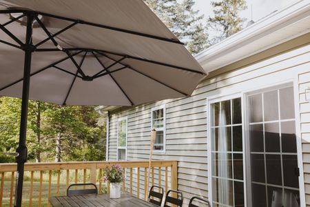What to Look for in an Outdoor Patio Umbrel