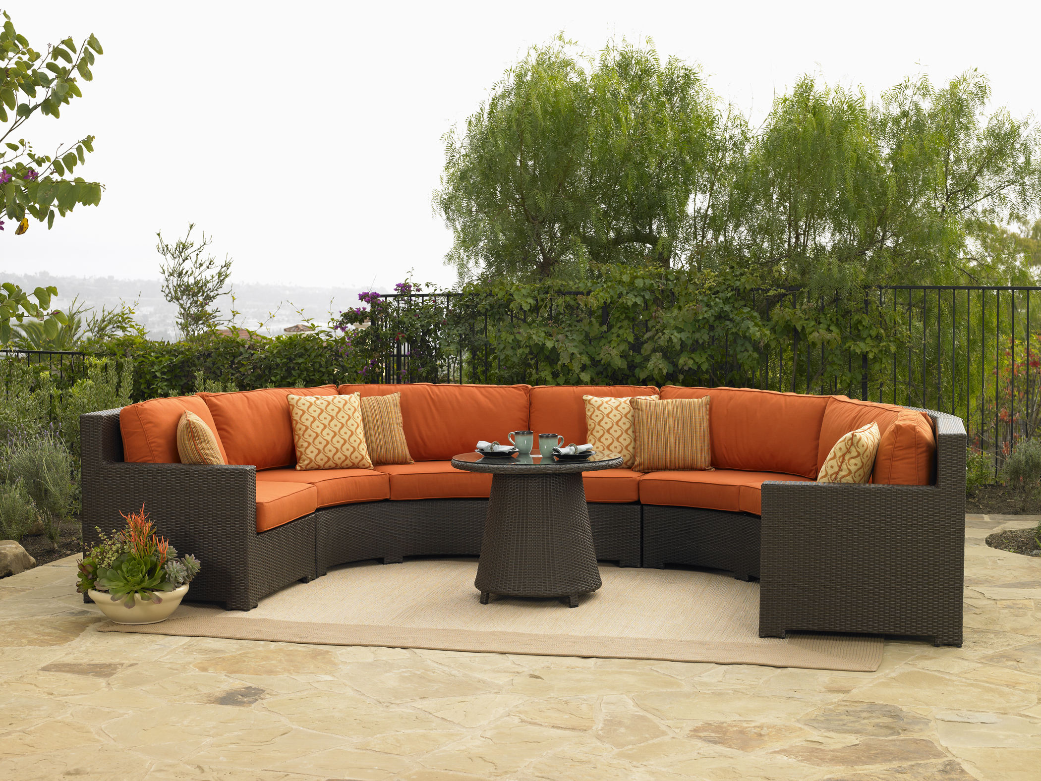 Top 4 things to consider before buying   summer furniture