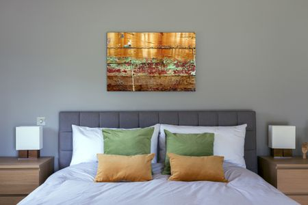5 Professional Tips for Choosing Artwork for Your Ho