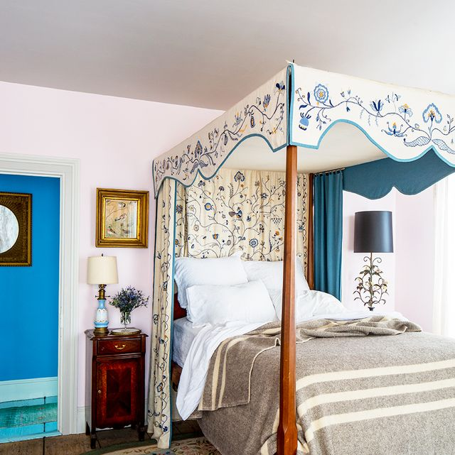 25 Dreamy Guest Bedroom Ideas and Essentia
