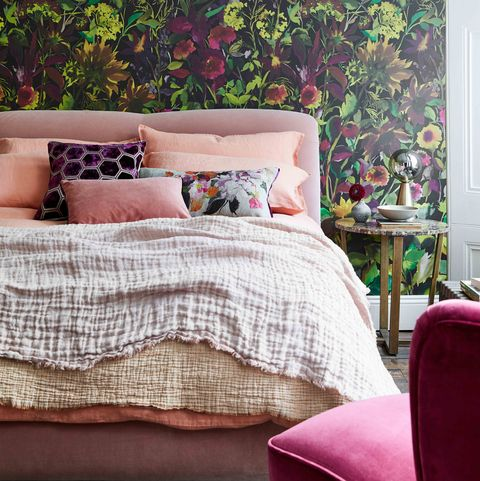10 Ways To Dress A Bed Like A Designer - Bedroom Styling Ide