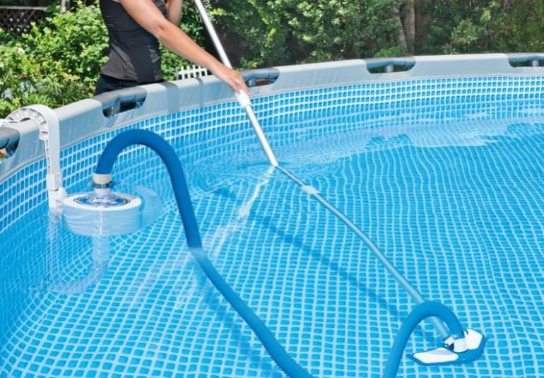 Best vacuum for Intex pool 20