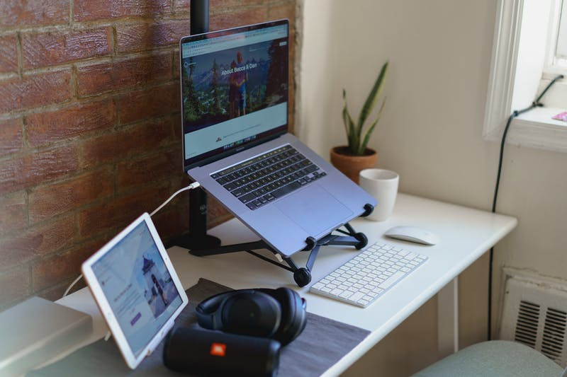 How to Set Up a Home Office in a Small Apartme